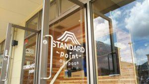 STANDARDpoint店舗入口